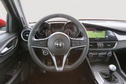 Alfa-Romeo-Giulia-Cockpit-fotoshowBig-bd09e341-954915