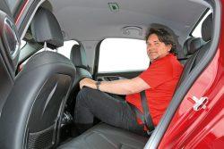 Alfa-Romeo-Giulia-Fondsitz-fotoshowBig-120f5180-954916
