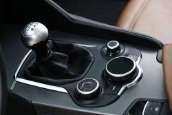 Alfa-Romeo-Giulia-Schalthebel-fotoshowBig-4d744c80-954909
